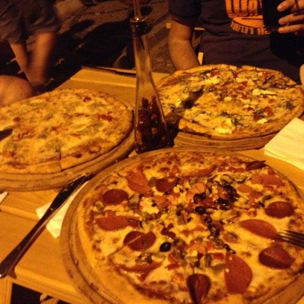 8/30/2013 tarihinde Mustafa A.ziyaretçi tarafından Uno Restaurant'de çekilen fotoğraf