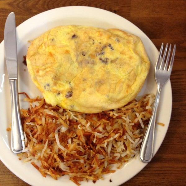 Foto tirada no(a) Original Pancake House por Annie A. em 3/13/2013