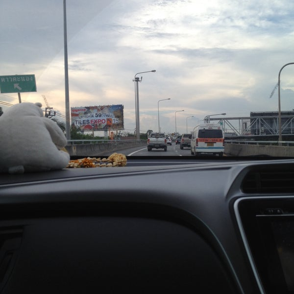 Photo taken at Dao Khanong Toll Plaza by KaewZz M. on 10/11/2015