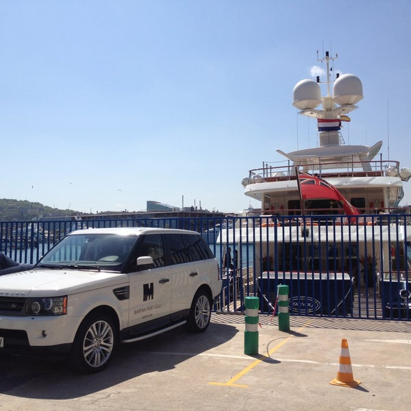 Photo taken at OneOcean Port Vell Barcelona by Regina S. on 5/13/2013