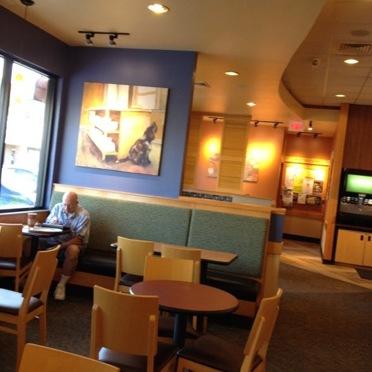 Photo taken at Panera Bread by Marie D. on 9/29/2012