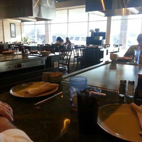 Photo taken at Wasabi Steakhouse & Sushi Bar by Lisa W. on 3/23/2013