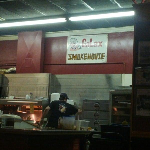 Foto tirada no(a) The Galax Smokehouse por Russ H. em 3/14/2013