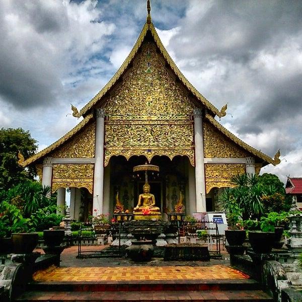 Photo taken at Wat Chedi Luang Varavihara by Nathanthorn C. on 8/30/2014