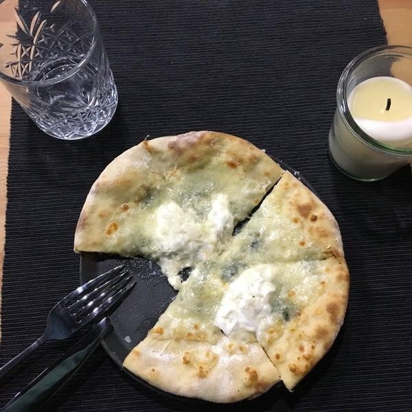 4 peynirli pizza!!! Quattro formaggi magnifico!!!