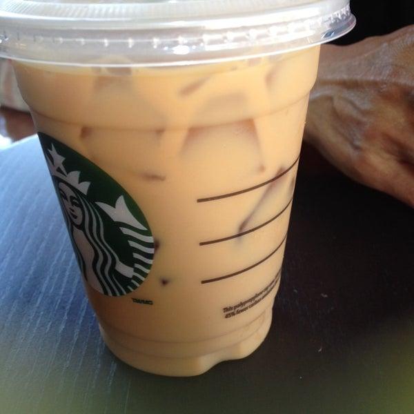Photo taken at Starbucks by Tet B. on 5/29/2014