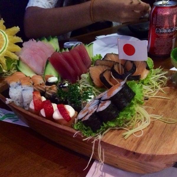 รูปภาพถ่ายที่ Saikou Sushi โดย Anselmo M. เมื่อ 1/30/2014