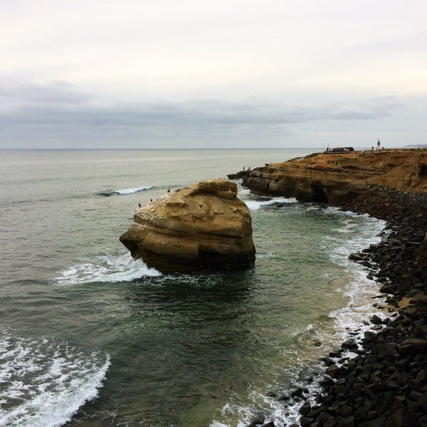 Foto tirada no(a) Sunset Cliffs Natural Park por Gina SuuperG S. em 3/5/2017