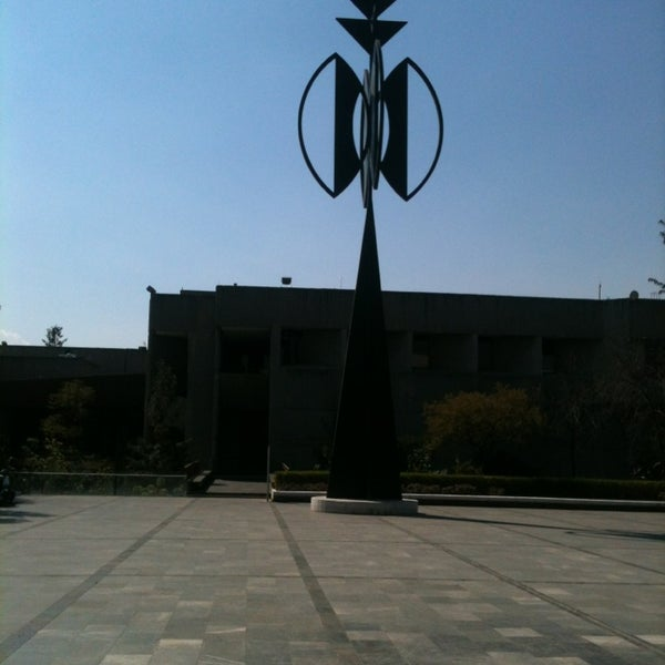 Foto tomada en MUAC (Museo Universitario de Arte Contemporáneo). por Alejandra R. el 2/8/2013