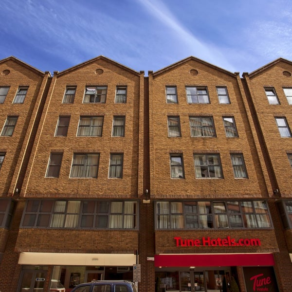 Tune Hotel Liverpool Towels: Tune Hotel Paddington (Now Closed)