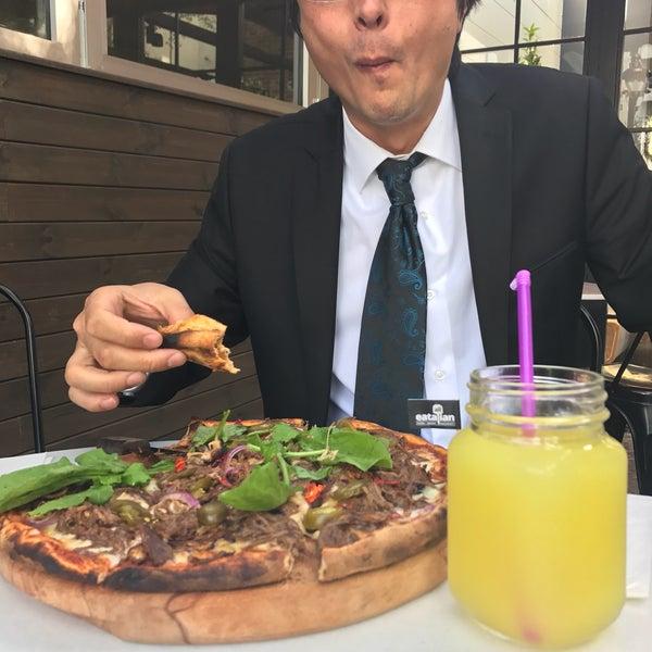Pizzalar muhteşem. Mekan butik. Limonata çok güzel