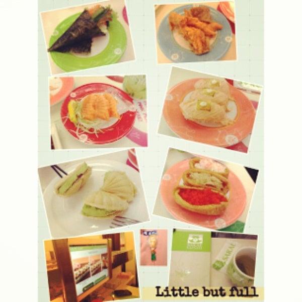 Photo taken at Sakae Sushi by Jessica P. on 5/24/2013