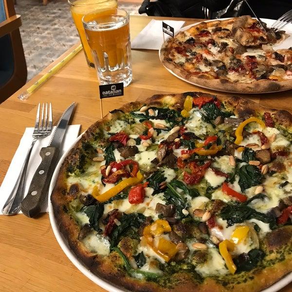 10/16/2018 tarihinde Emine U.ziyaretçi tarafından All Eatalian ( Pizza - Bakery - Breakfast )'de çekilen fotoğraf
