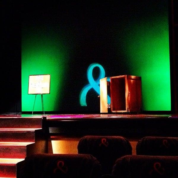 Foto tomada en Penn & Teller Theater por W.D. P. el 10/3/2012