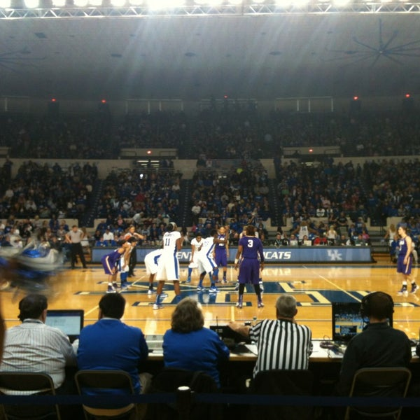 Photo taken at Memorial Coliseum by Ivan G. on 1/27/2013