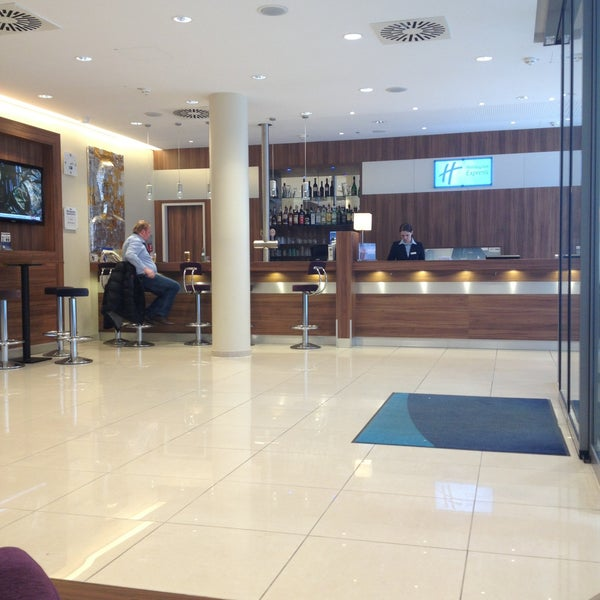 holiday inn express hotel in st pauli. Black Bedroom Furniture Sets. Home Design Ideas
