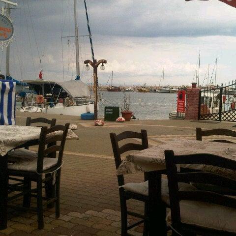 6/14/2013 tarihinde Ziya S.ziyaretçi tarafından Küçükkuyu Limanı'de çekilen fotoğraf