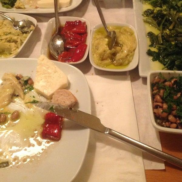 Photo taken at Sıdıka Meze Restoranı by BUKET B. on 3/2/2013