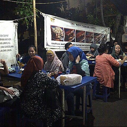 Photo taken at Roti Bakar Eddy by Wayan S. on 3/15/2013