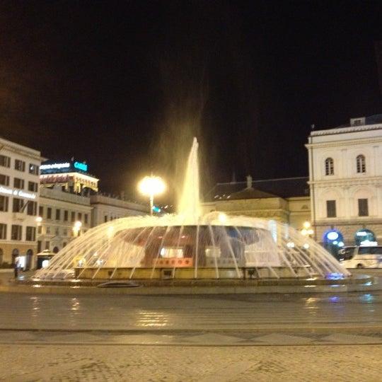 Foto scattata a Piazza de Ferrari da Maurizio Z. il 9/30/2012