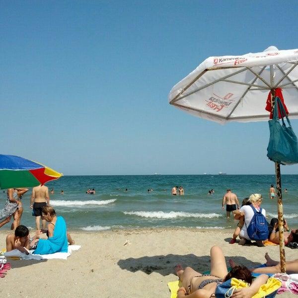 Foto scattata a Централен Плаж Бургас (Burgas Central Beach) da Deyan A. il 7/28/2013