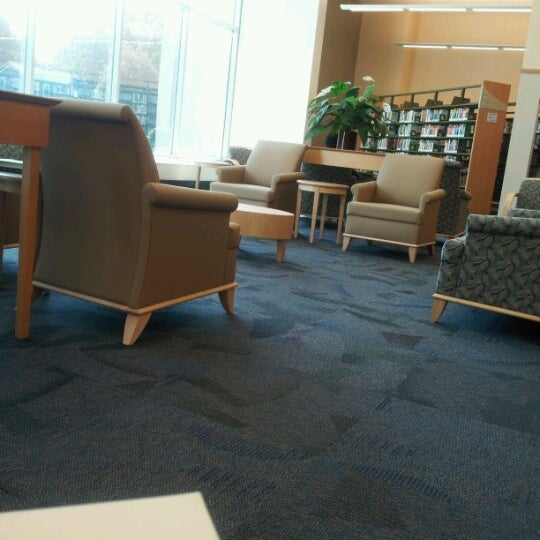Photo taken at Cuyahoga Falls Library by Nancy Y. on 9/22/2012