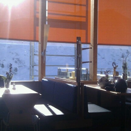 Das Foto wurde bei Panoramarestaurant Komperdell von Elizaveta G. am 2/10/2013 aufgenommen