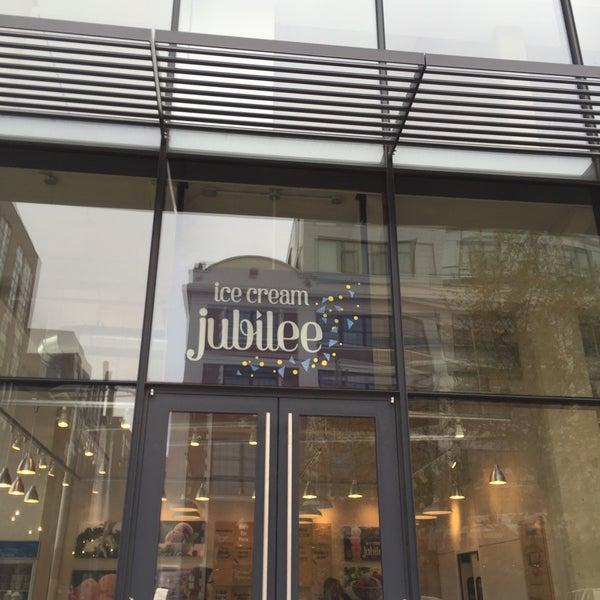 12/9/2015에 Jerome M.님이 Ice Cream Jubilee에서 찍은 사진
