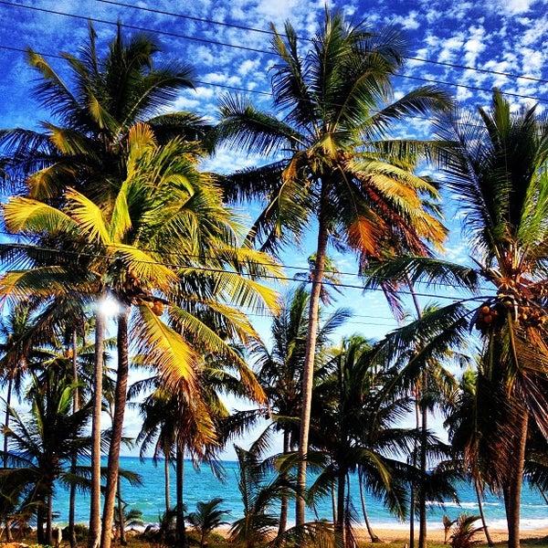 Foto tirada no(a) Praia Mirante da Sereia por Henrique L. em 12/15/2012