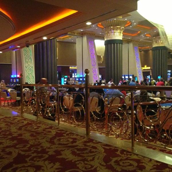 Foto scattata a Cratos Premium Hotel & Casino da İsmail E. il 5/19/2013