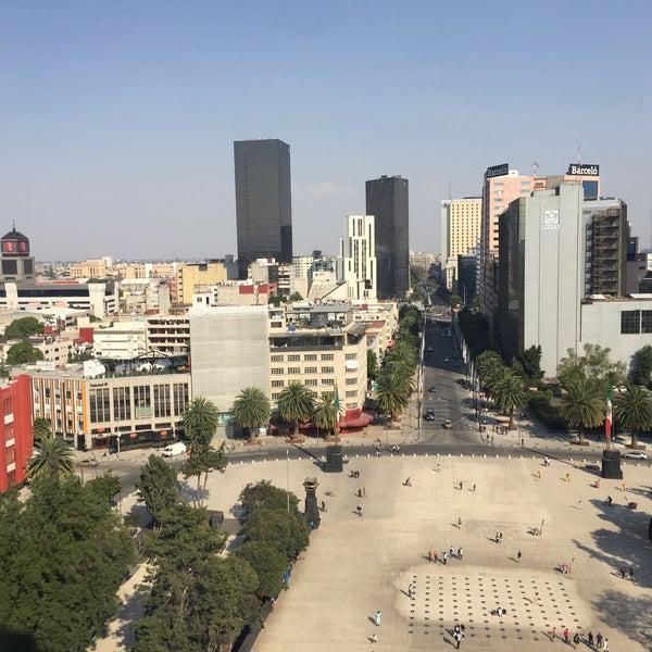 Das Foto wurde bei Mirador Monumento a la Revolución Mexicana von Yaya T. am 3/4/2018 aufgenommen
