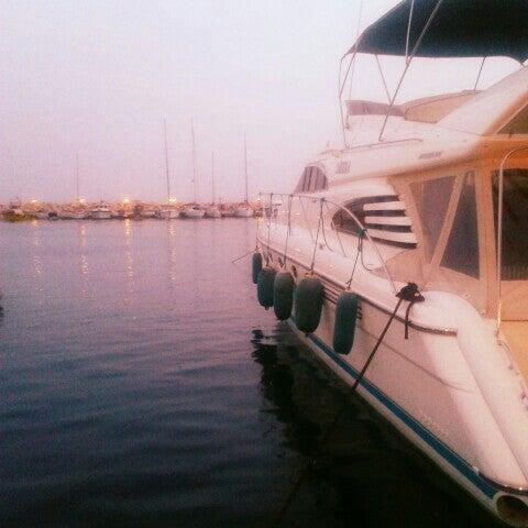 5/29/2013 tarihinde Merve Z.ziyaretçi tarafından Küçükkuyu Limanı'de çekilen fotoğraf