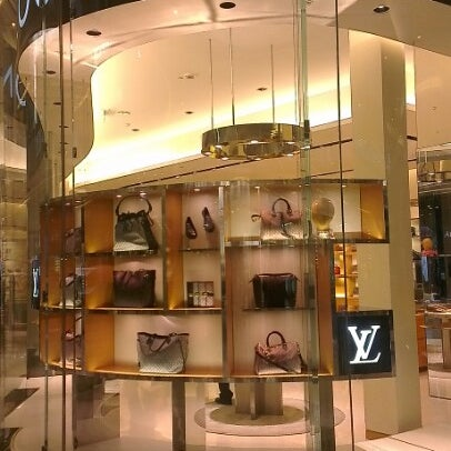 Photo taken at Louis Vuitton by kuwaity R. on 9/19/2012