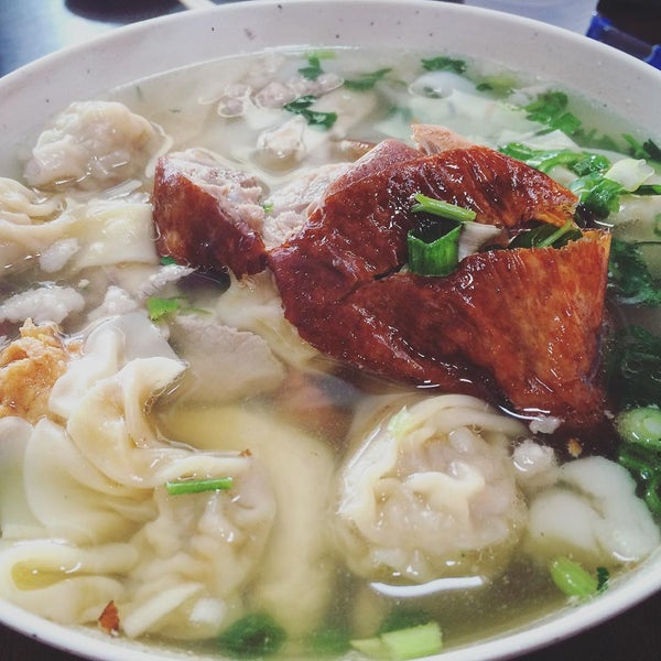 Photo taken at Teo Chow Noodle Shack by Kevin H. on 3/3/2016