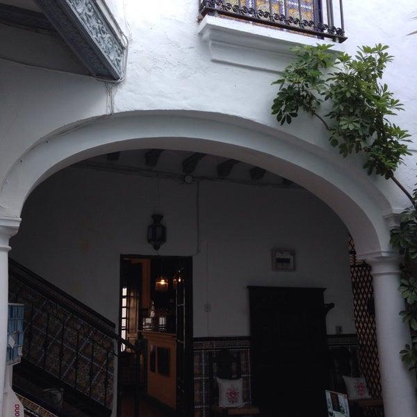Foto tomada en Séneca Hostel por Stacciaburatta el 3/29/2015