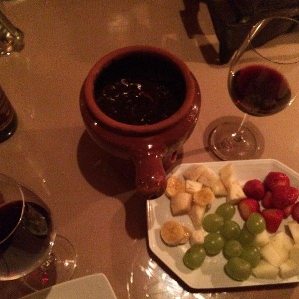 Foto tirada no(a) Restaurante Mont Vert por Jussara V. em 1/14/2015