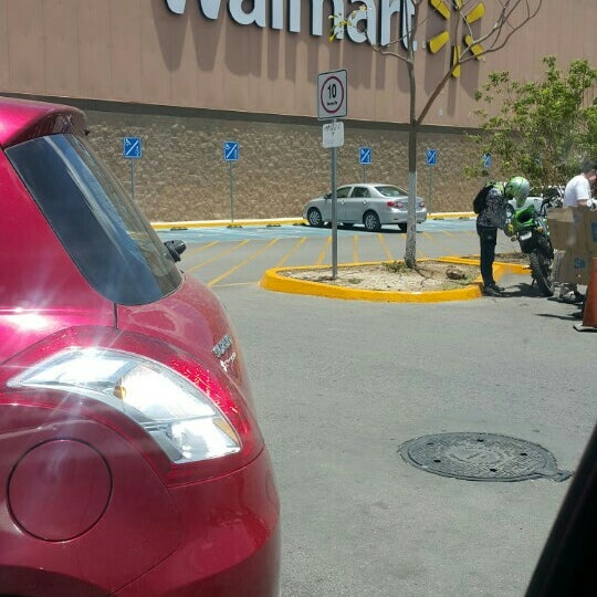 Photo taken at Walmart by Andres R. on 5/21/2016