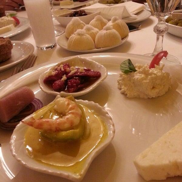 2/16/2013 tarihinde Deniz A.ziyaretçi tarafından Kalkan Balık Restaurant'de çekilen fotoğraf