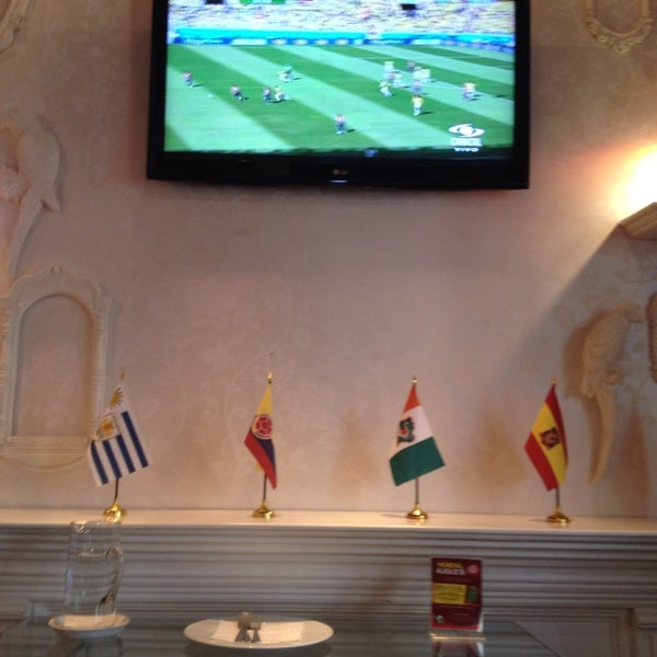 Photo prise au Hotel Augusta par Pablo S. le6/28/2014