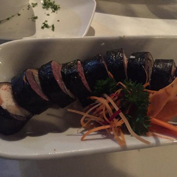 Foto tomada en Sushi & Cebiches por Margarita S. el 1/23/2016