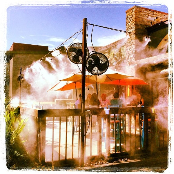 Photo taken at Rehab Burger Therapy by Melisa S. on 8/31/2013
