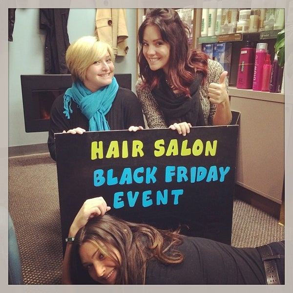 Photo taken at Salon DARIN by Darren R. on 11/27/2013