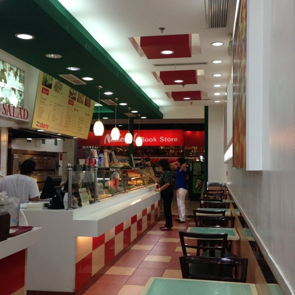Photo taken at Sbarro by Stephen Y. on 2/4/2013