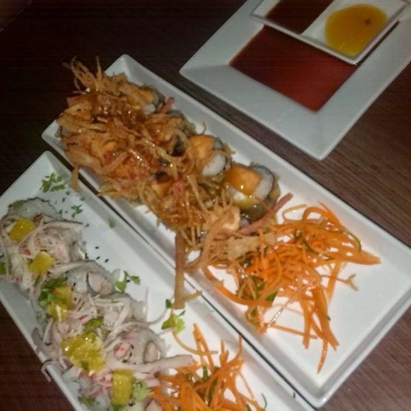 Excelente la comida en @sushi&cebiches de la urb la soledad exquisitos rico lugar siempre serán de ahora en más mis favoritos