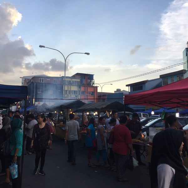 the malaysian sibu pasar malam Pasar tamu & pasar utama bintulu pasar tamu & pasar utama are two markets located near each other along the riverfront selling a range of local produce the cone-shaped roofs symbolize the traditional melanau headgear, the terendak.