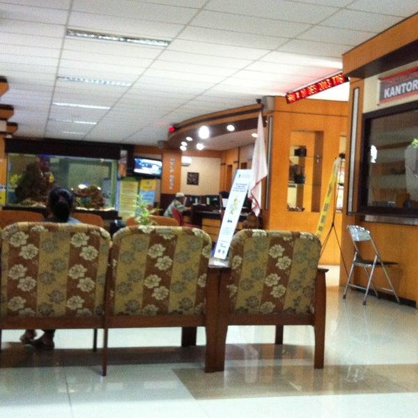 Photo taken at Kantor Pelayanan Pajak Pratama Mataram Barat by Pandu K. U. on 2/5/2014