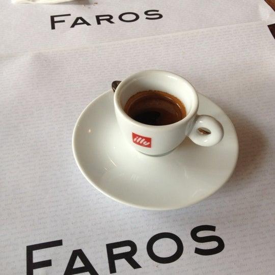 3/1/2013 tarihinde Tim S.ziyaretçi tarafından Faros Restaurant'de çekilen fotoğraf