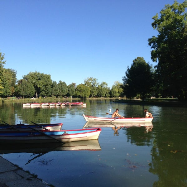 Photo taken at Lac Daumesnil by Mike on 9/4/2013