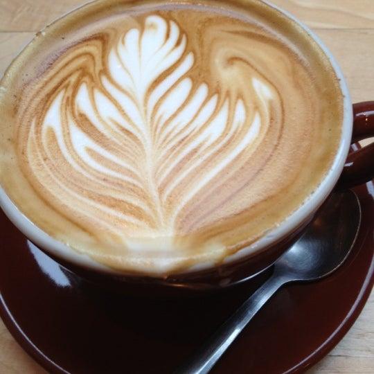 Снимок сделан в Blue Bottle Coffee пользователем Sophie C. 12/21/2012