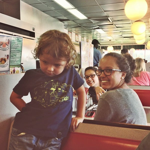 Photo taken at Waffle House by Rose on 8/19/2013